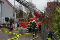 Drehleiter und Trupps der Feuerwehr Dieburg im Einsatz