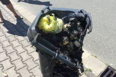 Weitere verschmorte Mülltonne