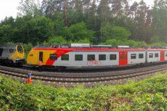 Panorama stillstehende Regionalbahn HLB