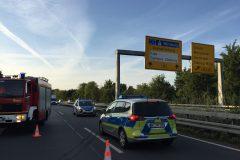 Polizeistreifen auf der gesperrten Kraftfahrstraße