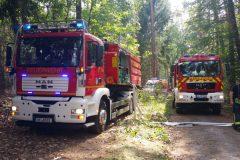 Einsatzfahrzeuge im Waldbereich
