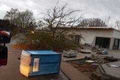 Orkan Sabine - Umgestürzte Baustelleneinrichtung