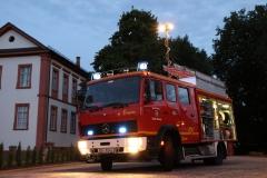 LF 16 - Fahrzeug vor Schloss Fechenbach